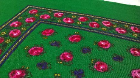fejkendő virágos zöld-rózsaszín