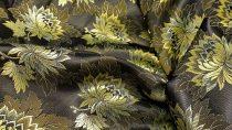 Selyem-brokát 2514 fekete-arany-zöld 576