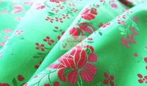Selyem-brokát 5686 zöld-piros 226